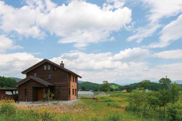 東川町で始まる豊かな暮らし。大雪山を望むカラマツの家