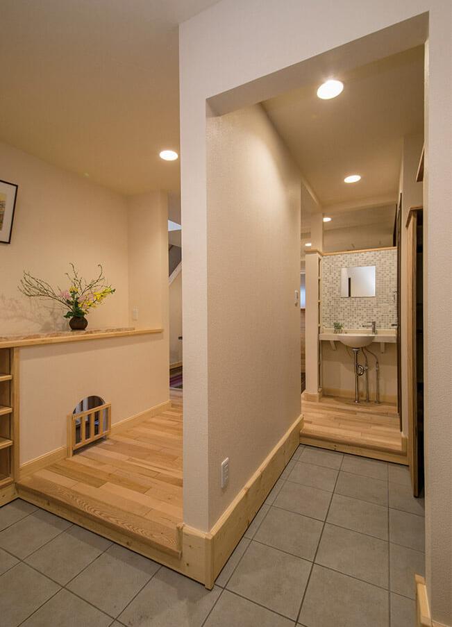 壁をタイルで仕上げてアクセントウォールにすれば、インテリアとして空間によく映える