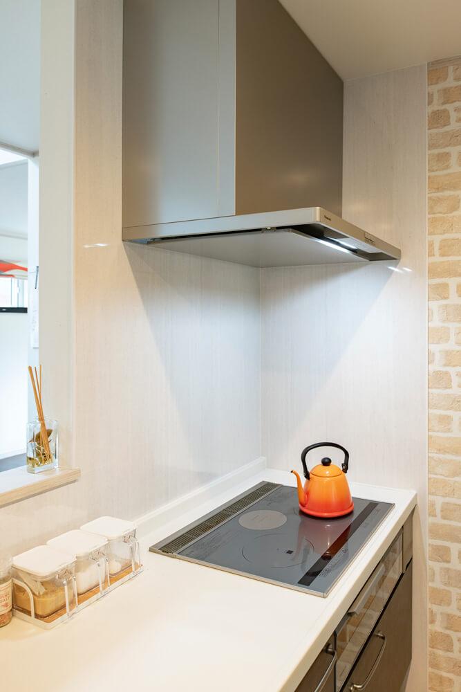 中学生の長男も使いこなせていて、安心してお任せできるIHクッキングヒーターのあるキッチン