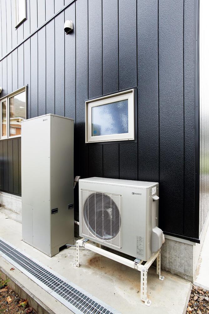 ガスと電気の特長を取り入れたハイブリッド給湯器を設置