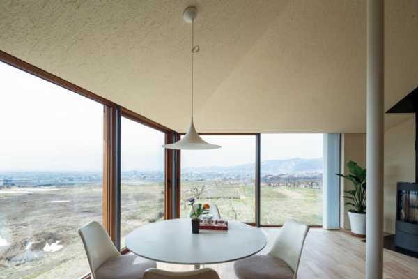 見晴らしと快適性能を両立させたデザイン住宅