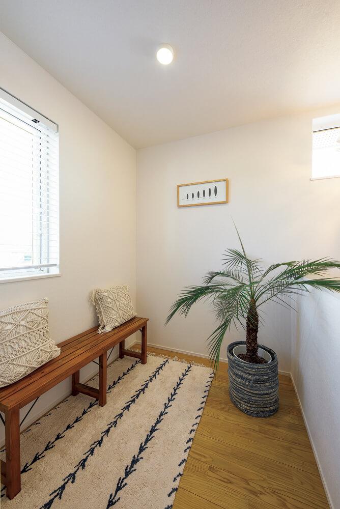 2階のフリースペース。ご主人の趣味の空間や洗濯物干し場としてなど、多彩な使い方ができる