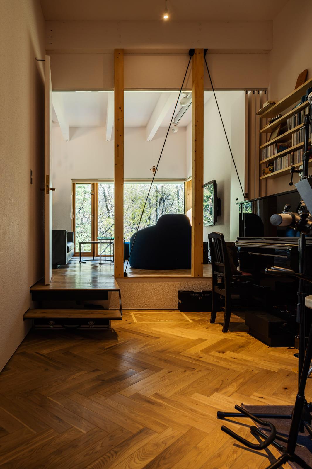 全開放したときの音楽室は、リビングとさり気なくつながり開放感の感じられる空間に