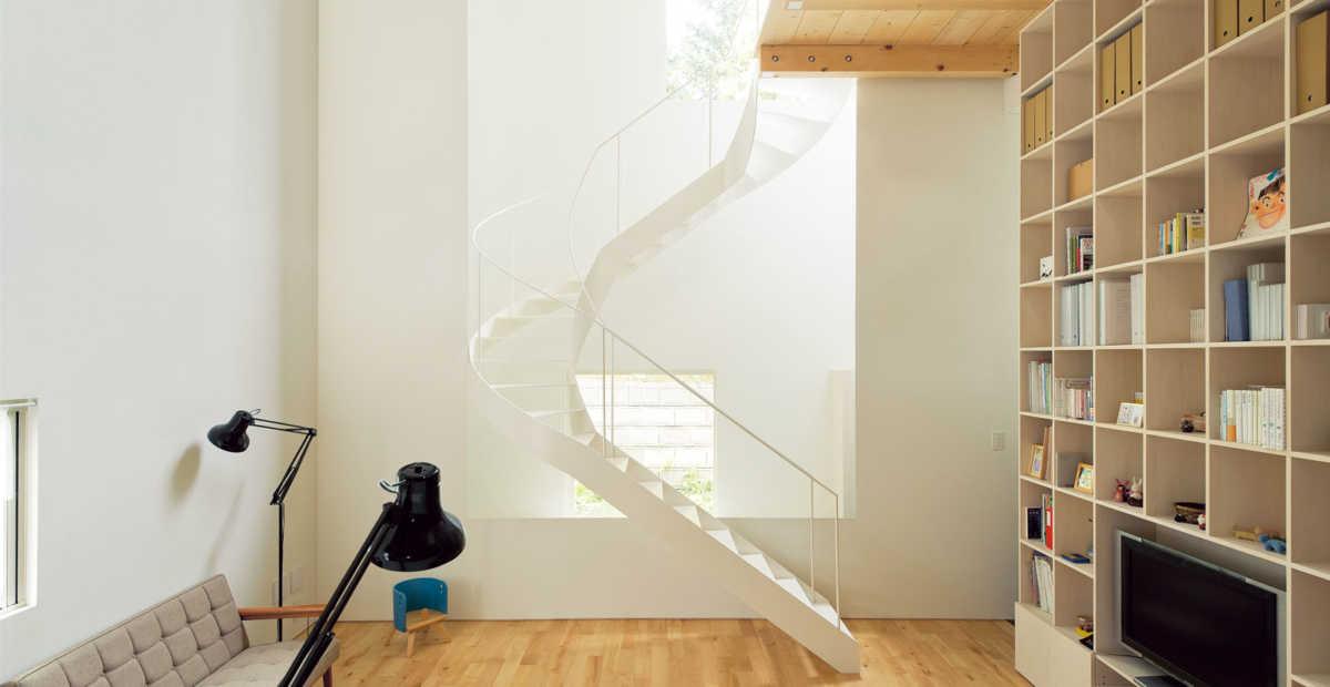 狭小住宅の選択肢にも。らせん階段に注目!