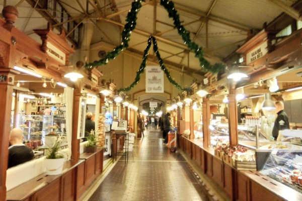 オールドマーケットホール。130年前の建物で味わうフィンランドグルメ