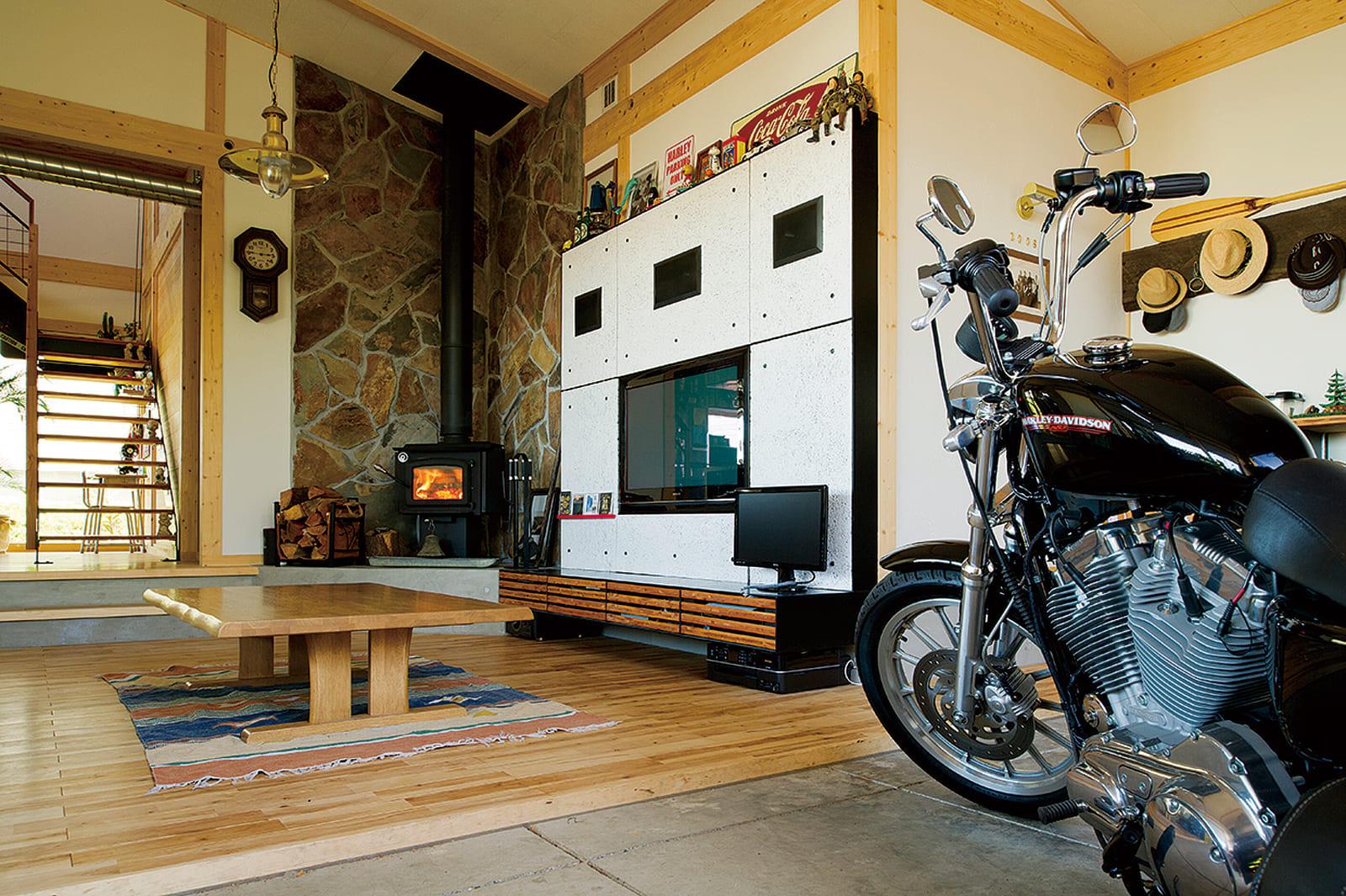 乗れない季節もそばに置くことでバイクをより身近に感じられる