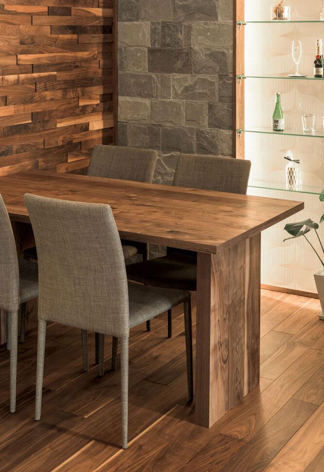 デザインで悩みがちなダイニングテーブルも、これなら統一感が出て安心