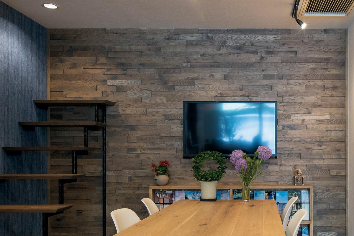 10年前に発表したシーゲルオリジナルの凹凸壁材「キュービック」は、ロングランのヒット商品