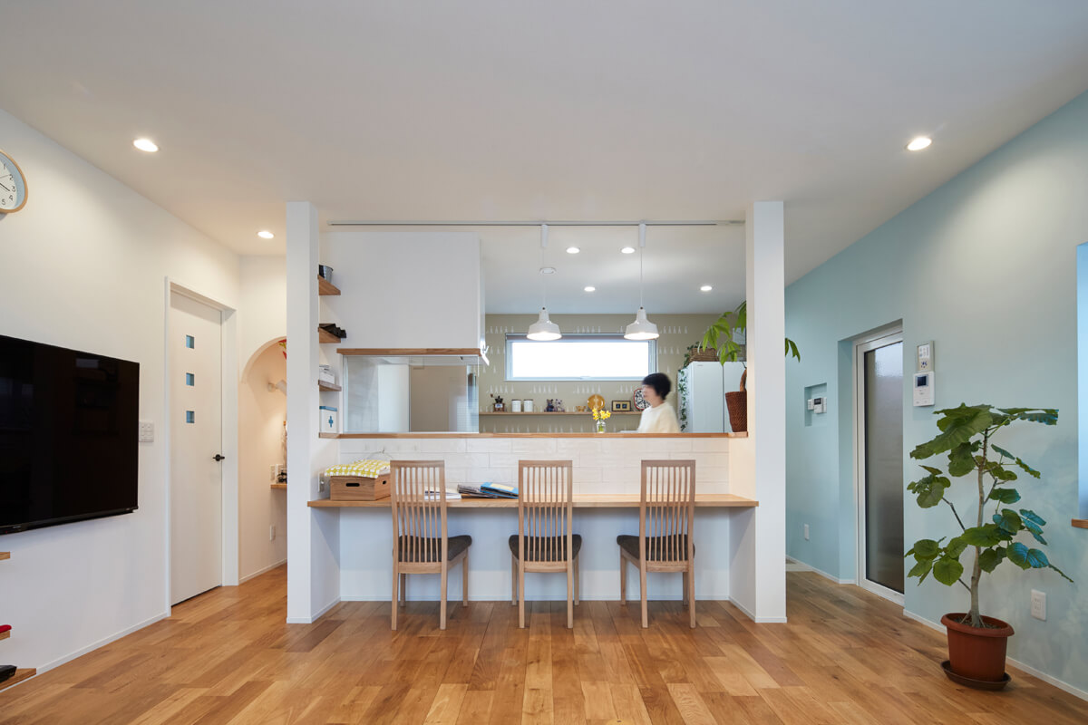 キッチンは対面式に変更