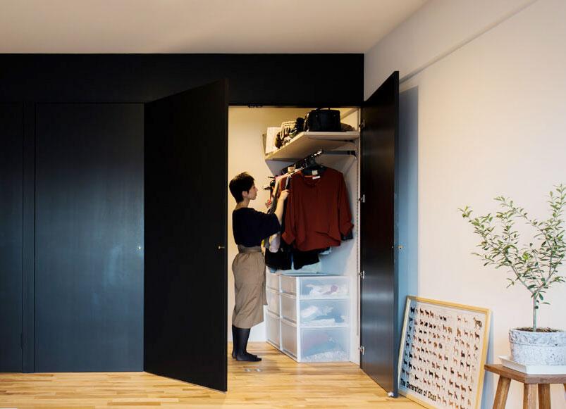 クリアな衣装ケースだと、中に入っているものが見やすくてわかりやすい