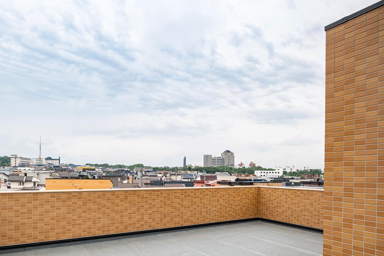 広い屋上の実現は、RC住宅ならでは。「夏はバーベキューをするのもいいかも」とKさん