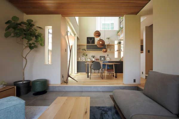 住まう家族とともに、自然素材が美しく年を重ねるパッシブデザインの家