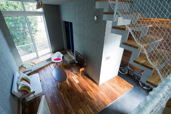 シンプル&ソリッドな郡山の狭小住宅