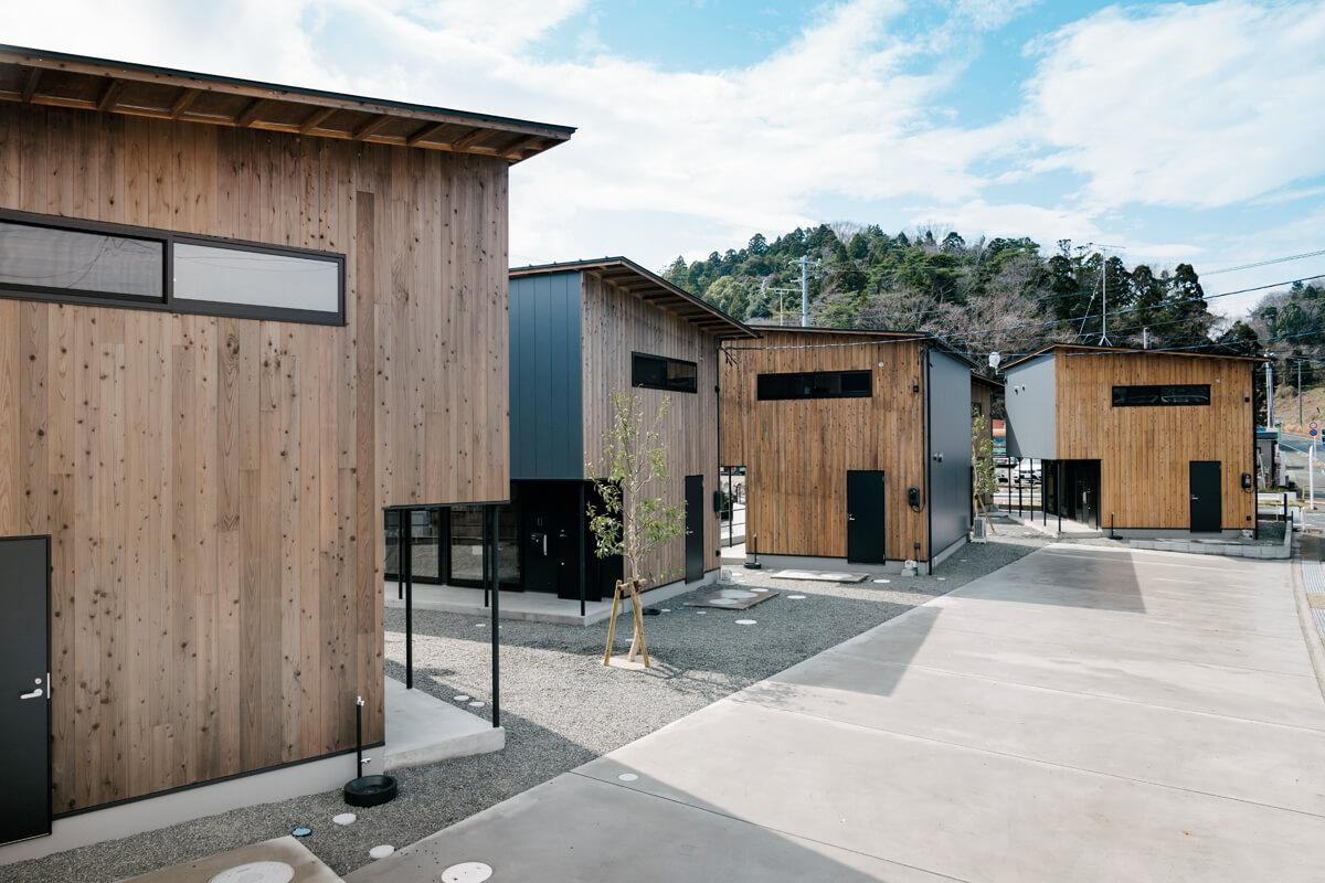 「住んでみたくなる賃貸戸建て」をコンセプトに企画・設計したテラスハウス風の戸建て賃貸住宅
