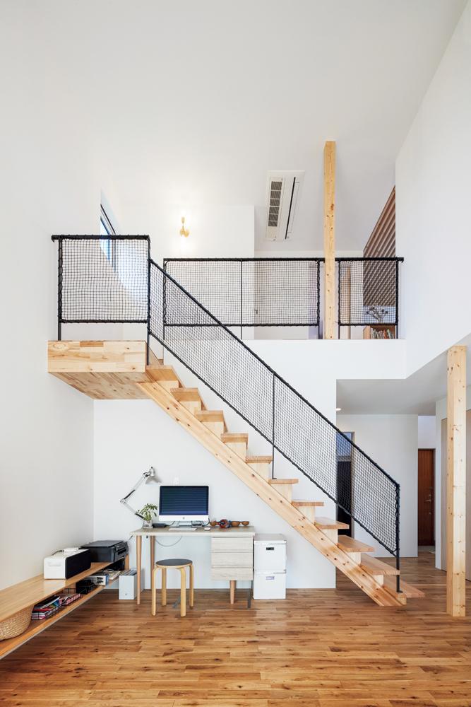 リビングの広さを確保するためリビング内に階段を設けたのもIさんの希望