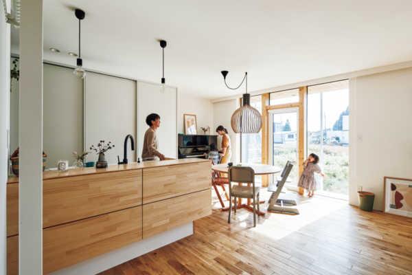 家族の暮らしに寄り添うシンプルで上質なデザイン