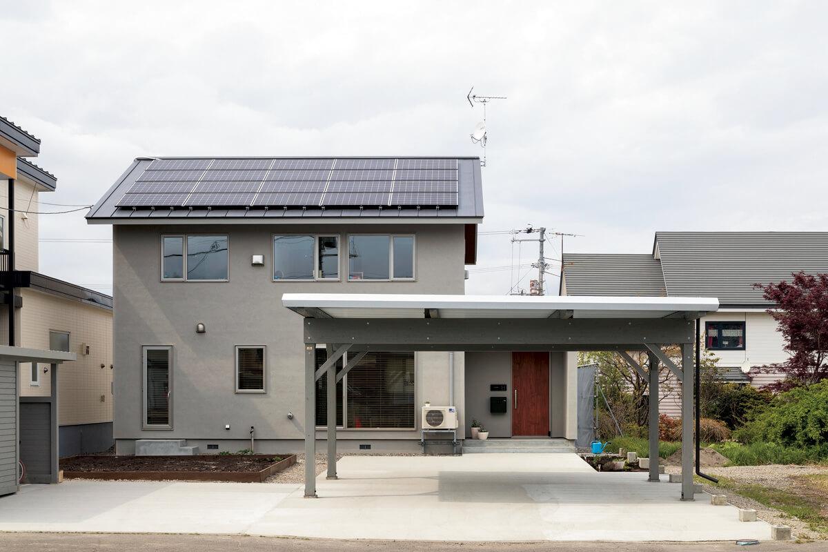 6.4kwの太陽光発電パネルを搭載した省エネ住宅