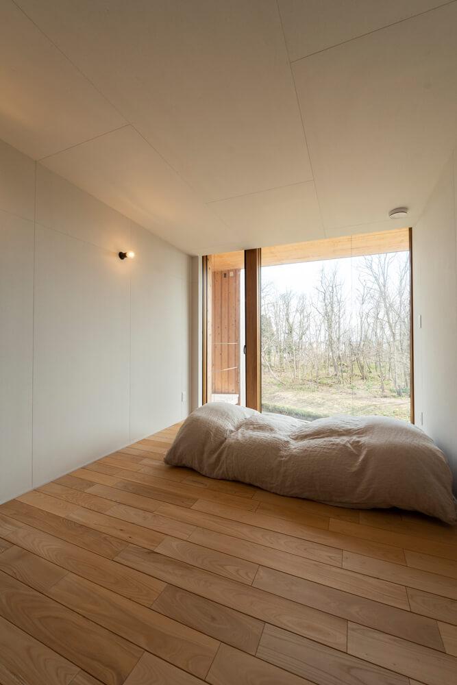 暖房は温水暖房を間欠的に使用。寝室も快適な温熱環境に