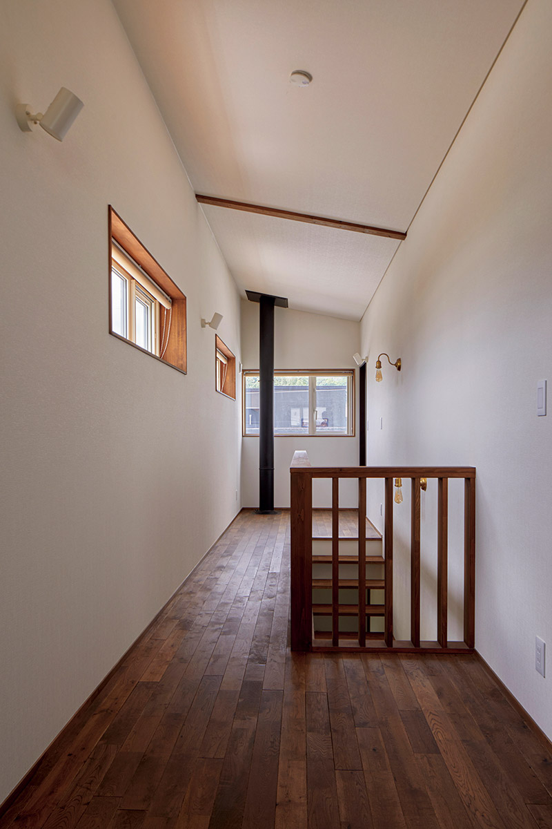 2階の子ども部屋は、広々としたワンルーム仕様。子どもの成長に合わせて、2つの個室にできるよう設計されている