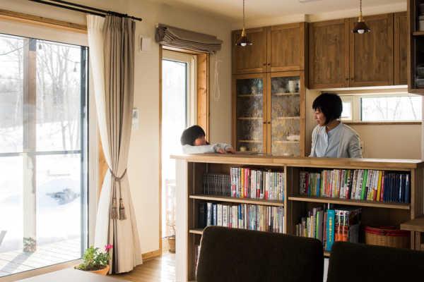 薪ストーブの温もりに包まれる自然素材の健康住宅