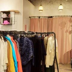ヘルシンキのオシャレな洋服のリサイクルショップ「relove…