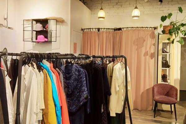 ヘルシンキのオシャレな洋服のリサイクルショップ「relove」