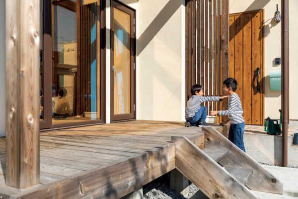 暮らしの不便を解決する優しいプランニングが魅力な三角屋根の平屋