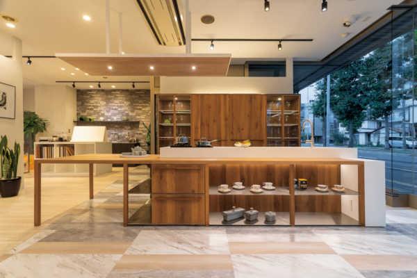 スズランキッチン×ノルド・リネアタラーラの空間を彩るキッチンの提案がすごい!