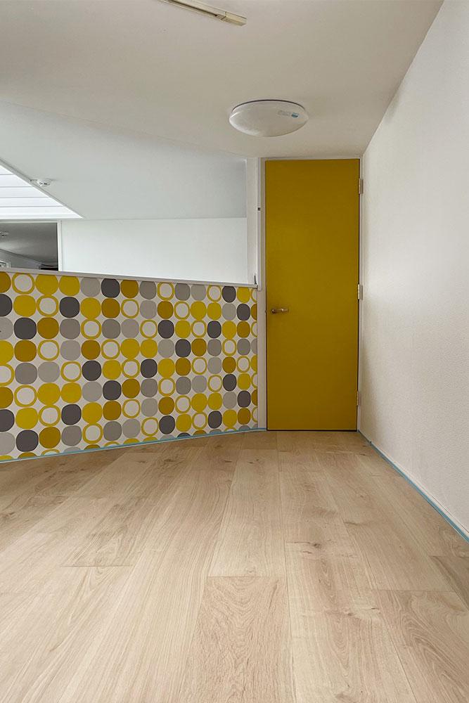 2種類の床材で張り分けられていた変形部分も、すっきりきれい