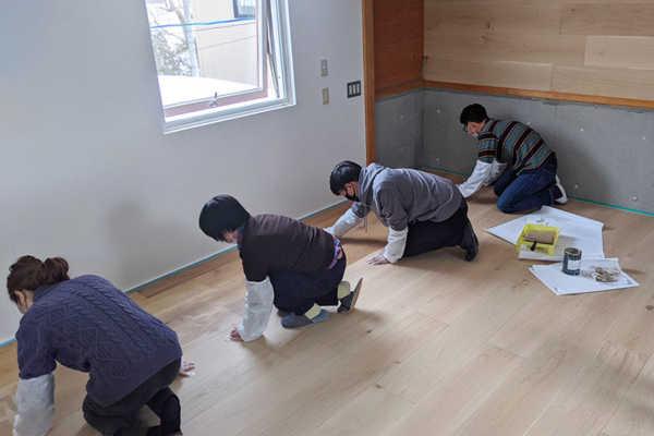 3Fフリースペースの床を塗装する-リプランのDIYプロジェクト