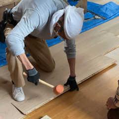フリースペースの床を張り替える-リプランのオフィスリノベーシ…