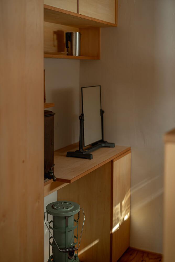 使い勝手と収納を重視して造作したキッチン
