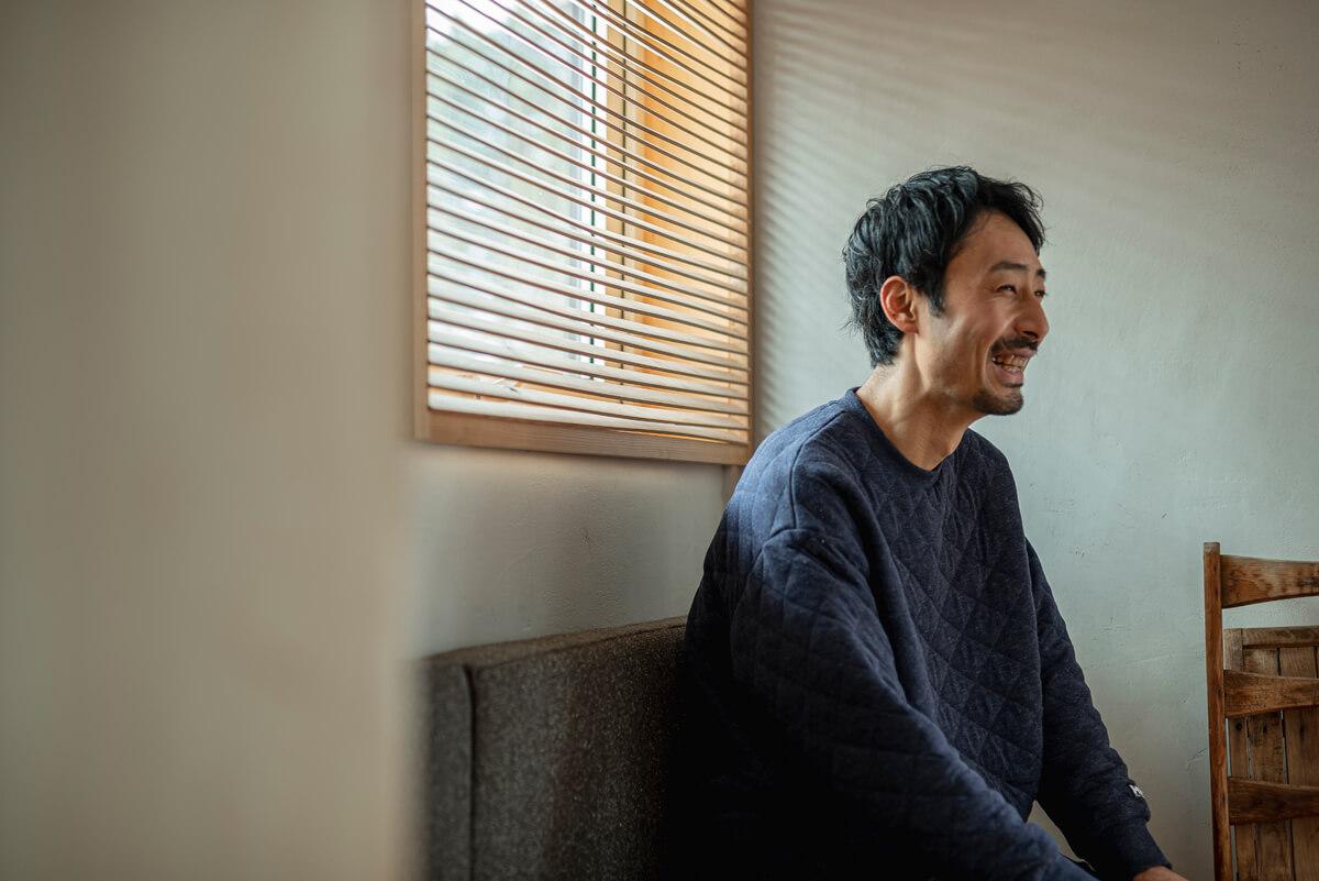 (株)yomogiyaの代表取締役で大工の中村直弘さん。道内を中心にさまざまな大工仕事を手がける