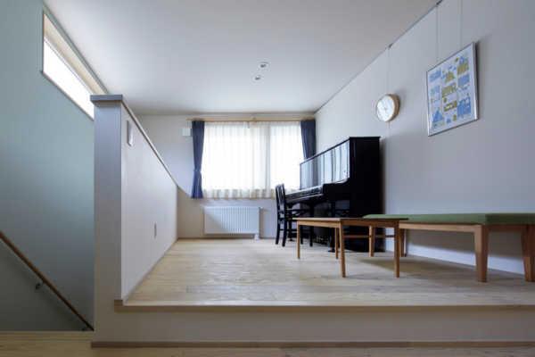 2階ホールは第2のリビング。おうち時間を快適に乗り越える北欧風の住まい