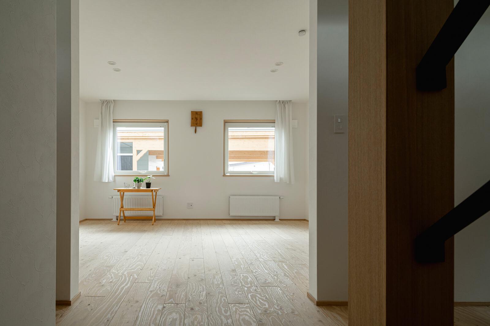 1階居室は、将来子ども部屋にすることも想定したもので、今は広いワンルーム
