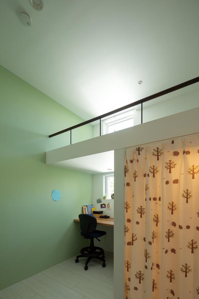 子ども部屋はロフト形式にしてスペースを確保