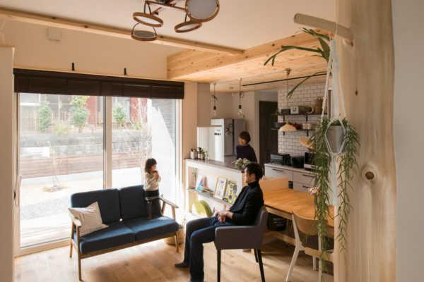 性能とデザイン性で夫婦2人の希望を叶えた 暮らしやすい家