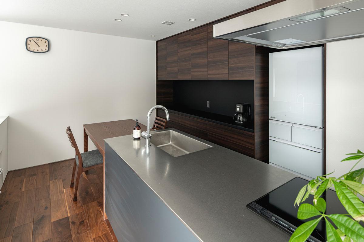 キッチンスペースの雰囲気を決める「ワークトップ」の素材