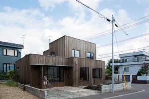 北海道の、平らな屋根のナゾ。