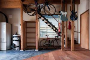 家づくりのセンパイに学ぶ!階段下スペースの上手な使い方